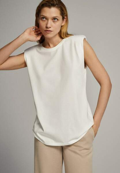 T-shirt à épaulettes 25,95€, Massimo Dutti