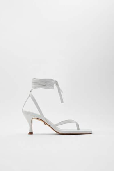 Sandales en cuir à talons pyramides, 59,95€, Zara