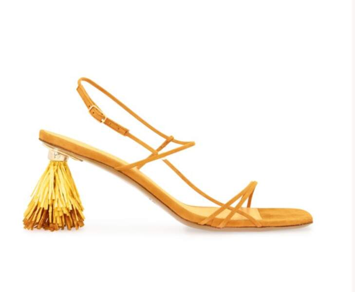 Sandales raphia à talons pyramides, 715€, JACQUEMUS