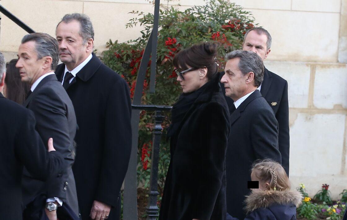 De gauche à droite, François Sarkozy, Guillaume Sarkozy, Carla Bruni et Nicolas Sarkozy.
