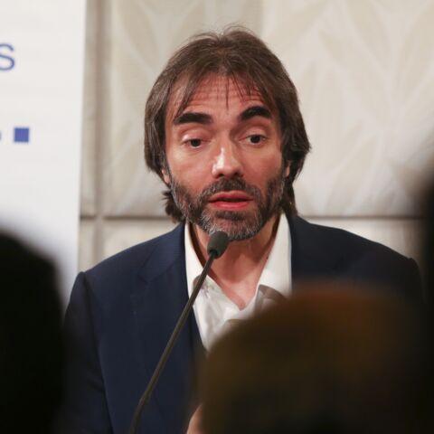 Cédric Villani comparé à Didier Raoult, il remet les pendules à l'heure