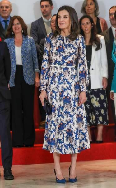 Letizia d'Espagne et sa robe à fleurs fétiche, signée Sandro.