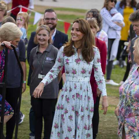 PHOTOS – Kate Middleton, Letizia d'Espagne stylées: les plus belles robes à fleurs du gotha