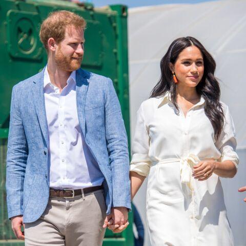 """Meghan Markle et Harry imprévisibles: la famille royale """"bombardée"""" par leurs interventions"""