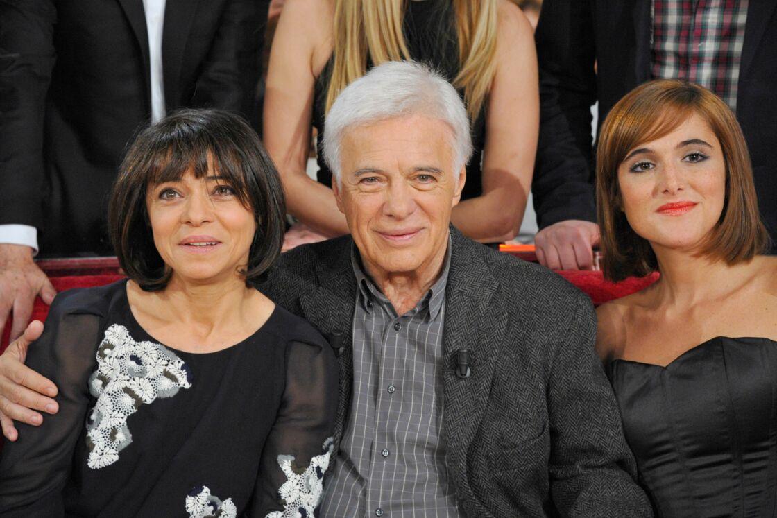 Guy Bedos avec ses filles Victoria et Leslie, le 4 décembre 2011