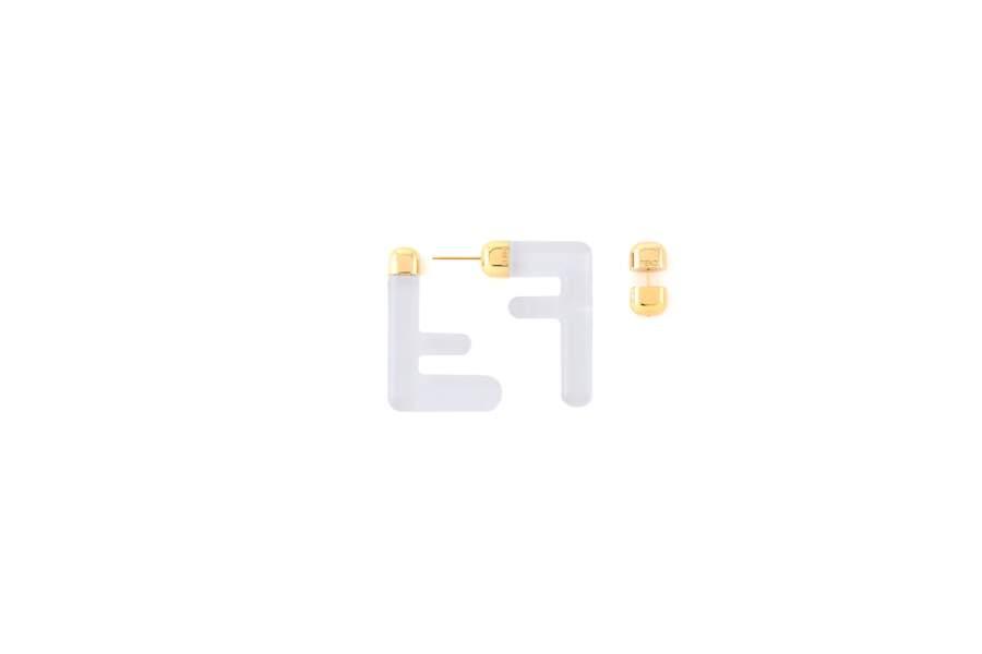 Boucles d'oreilles, 430€, Fendi.