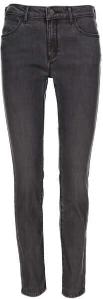 Pantalon en denim, 89,95€, Wrangler.