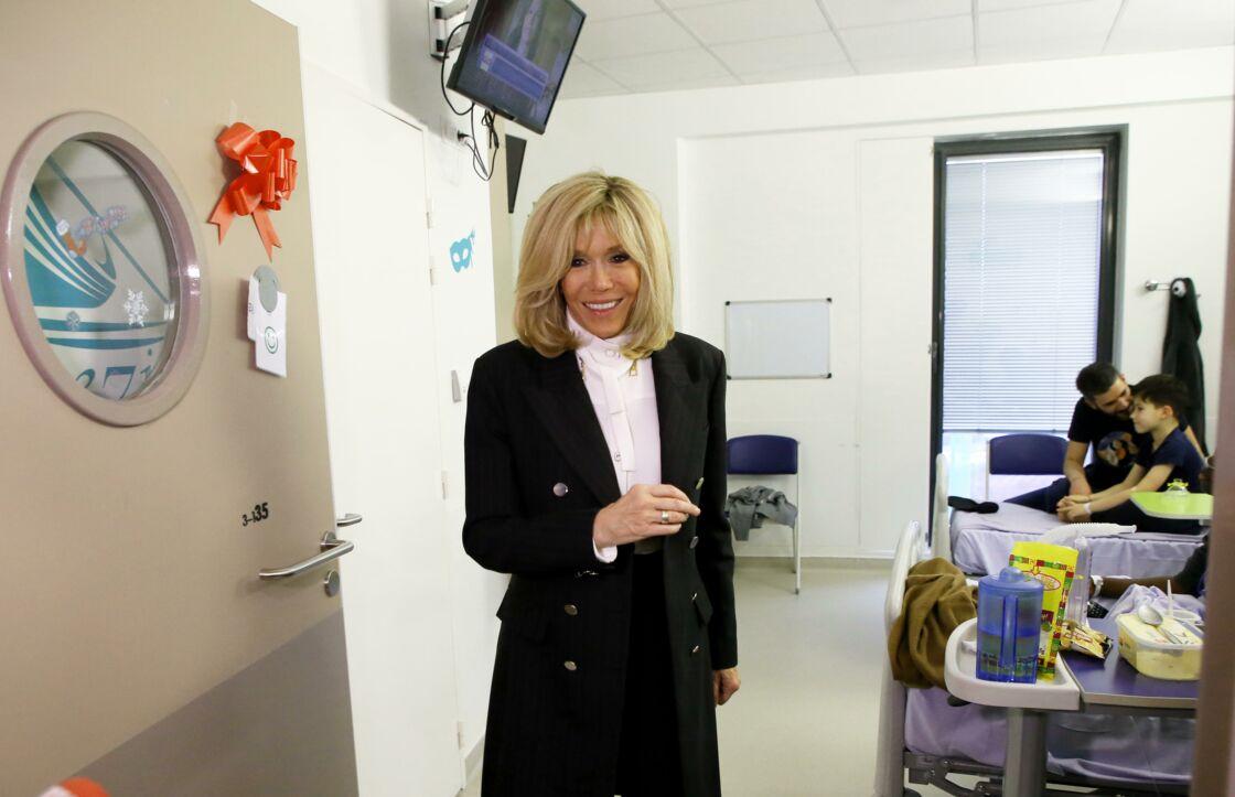 Brigitte Macron, présidente de la Fondation Hôpitaux de Paris-Hôpitaux de France, lors du lancement de la 31ème édition de l'opération Pièces Jaunes à Orléans, en janvier 2020.