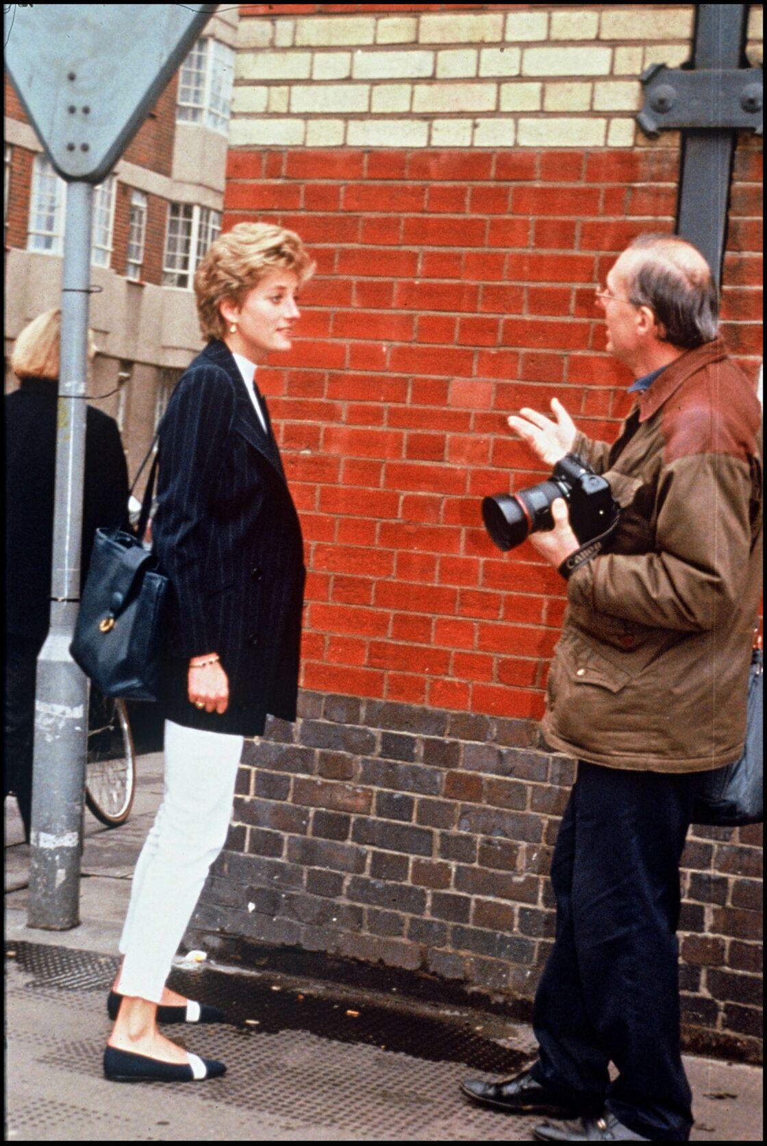 Lady Diana harcelée par la presse en 1994