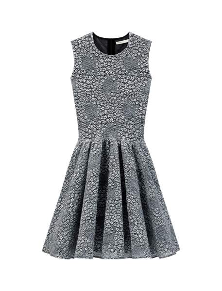 Robe patineuse en maille, 250€, Maje.