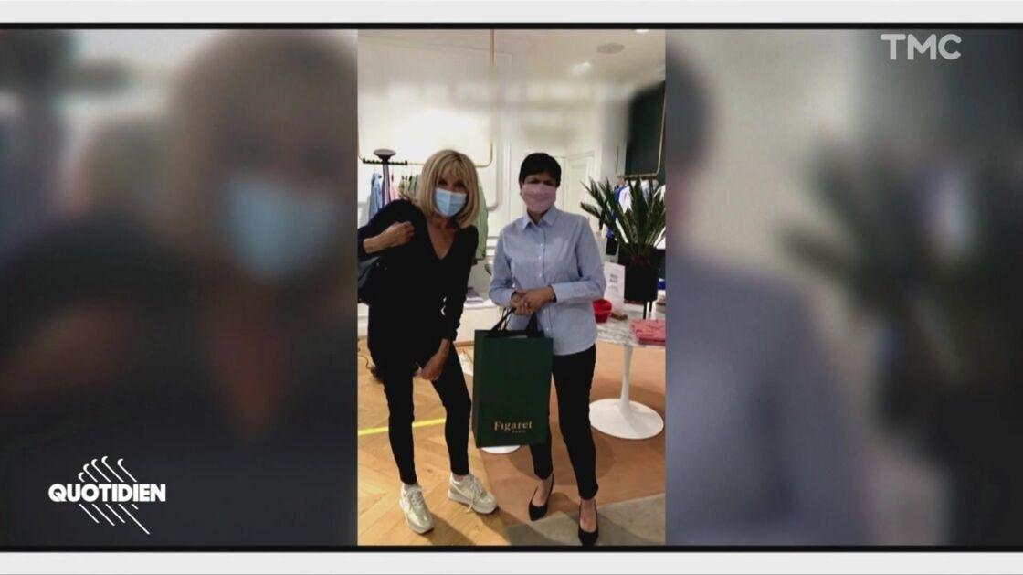 Brigitte Macron a fait quelques emplettes dans une boutique de prêt-à-porter masculin ce jeudi 28 mai