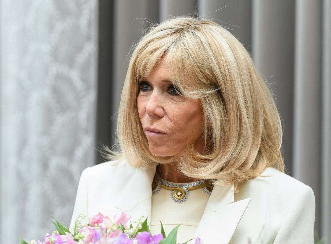 Brigitte Macron, lors de la cérémonie de remise du muguet à l'Élysée, le 1er mai 2020.