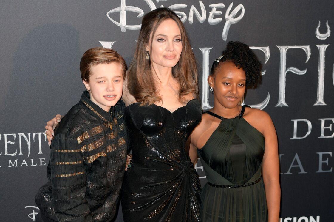 Angelina Jolie et ses enfants Shiloh Nouvel Jolie-Pitt, Zahara Marley Jolie-Pitt - Première de