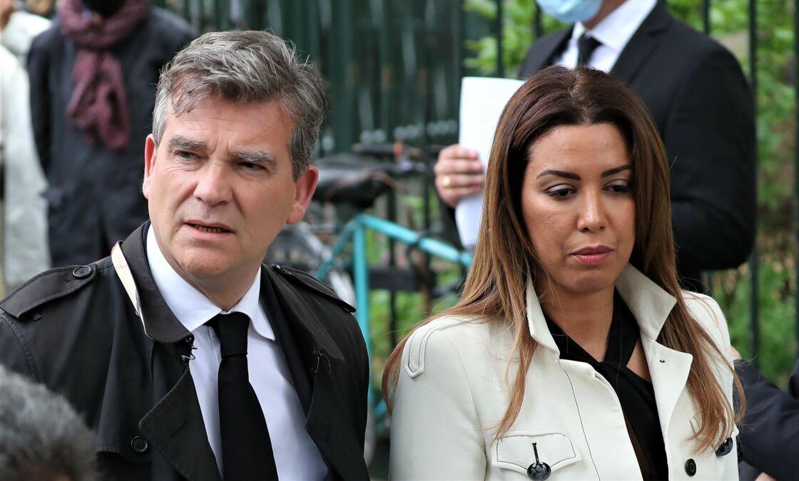 Arnaud Montebourg et sa compagne Amina Walter aux obsèques de Guy Bedos, à Paris, le 4 juin 2020.