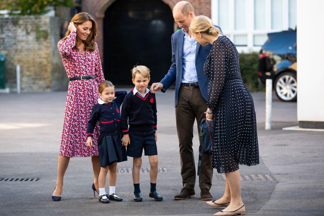 Charlotte et George, accompagnés de Kate et William devant les photographes, pour leur rentrée scolaire à Thomas's Battersea, le 5 septembre 2019.
