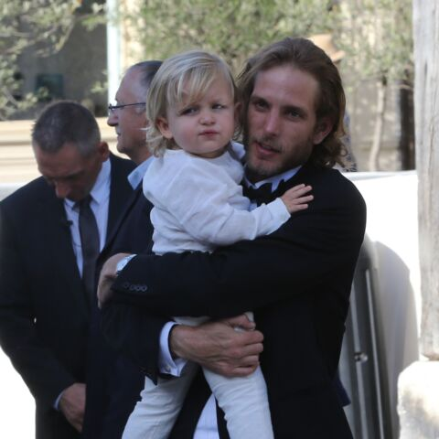PHOTOS – Andrea Casiraghi, Harry, William : les princes charmants du gotha sont aussi de super papas