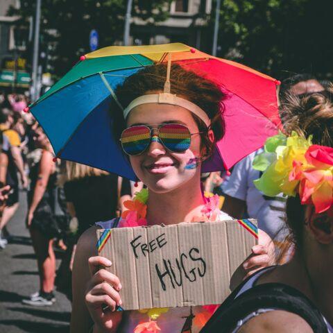 PHOTOS – Pride Month 2020: shoppez des baskets et des polo engagés