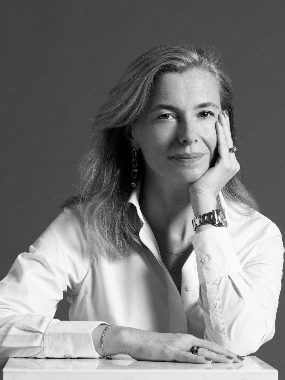 Présidente de Figaret, Eléonore Baudry insuffle un nouveau souffle à la griffe en modernisant les collections et en forgeant un concept de boutiques autour des codes haussmanniens, revisités.