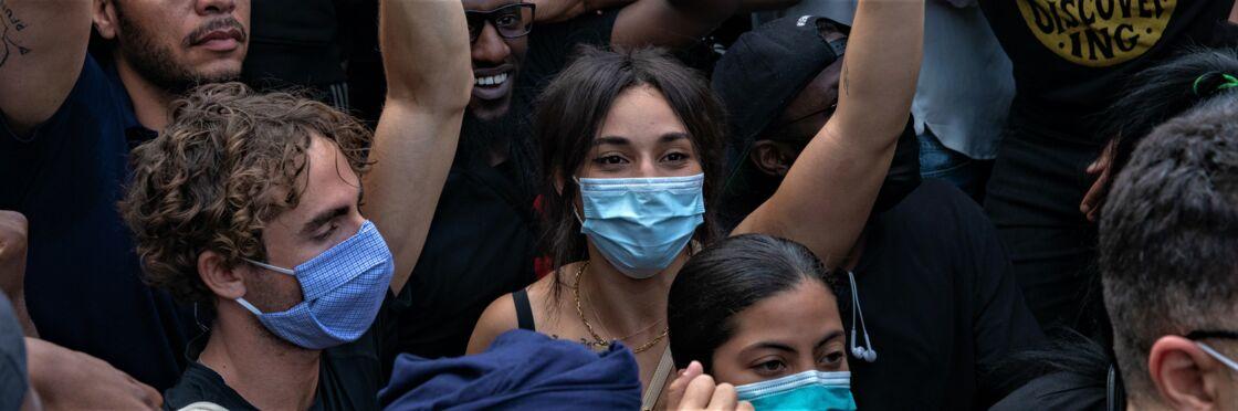 Camélia Jordana à la manifestation de soutien à Adama Traoré, à Paris, le 2 juin 2020.