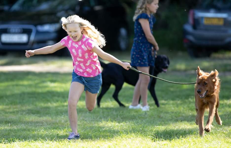 Savannah Phillips, une jeune fille de 9 ans énergique et spontanée