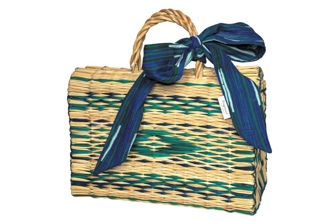 Le panier tressé de Fragonard, 75 €, 100% en roseaux et sa lavallière en coton
