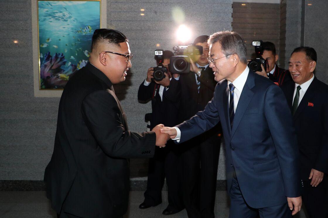 Kim Jong-Un et Moon Jae-In lors d'un sommet intercoréen, le 19 septembre 2018 à Pyongyang.