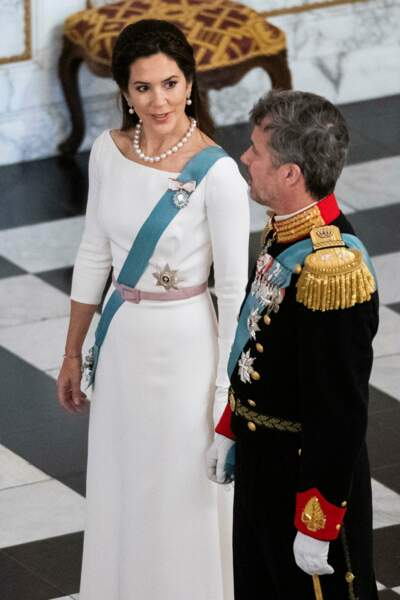 La princesse Mary de Danemark et le prince Frederik de Danemark se sont unis le 14 mai 2004. Le couple s'était rencontré pour la première fois en 2000, lors des Jeux Olympiques à Sydney.
