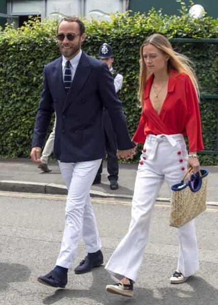 James Middleton et Alizée Thevenet : Le couple a récemment annoncé ses fiançailles, mais le mariage a dû être reporté à cause de la pandémie de coronavirus.