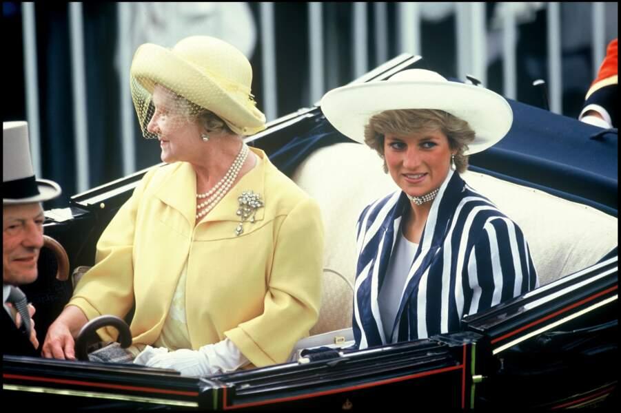 La princesse Diana à Ascot, avec la reine mère en 1987