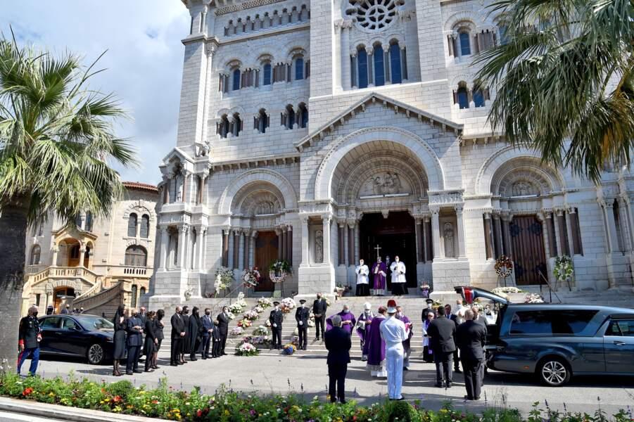Ce 17 juin, se déroulaient les obsèques de la baronne Elisabeth-Anne de Massy, cousine du prince Albert II à la cathédrale Notre-Dame-Immaculée de Monaco.