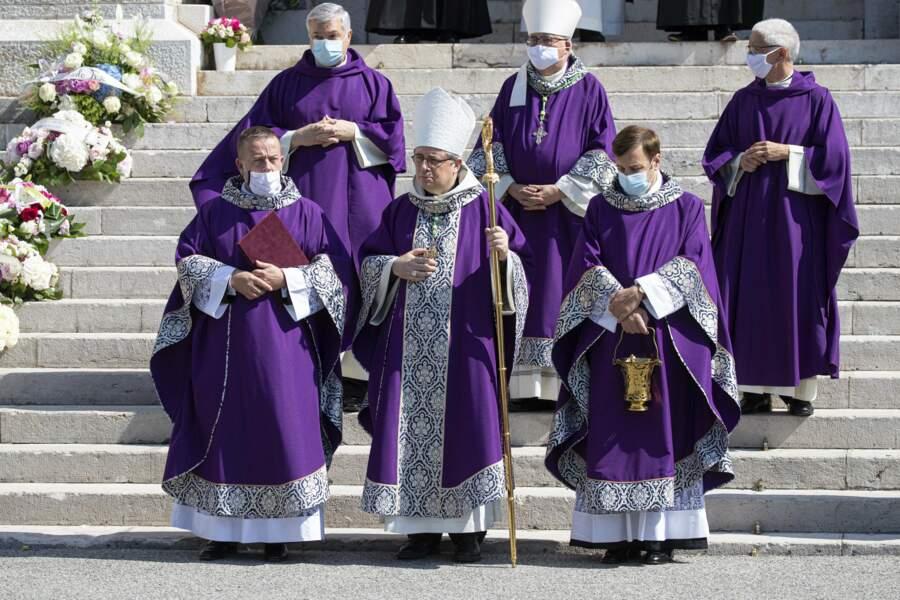 L'archevêque Bernard Barci a célébré les funérailles de la baronne Elisabeth-Anne de Massy, à Monaco, ce 17 juin. La célébration avait lieu à la cathédrale Notre-Dame-Immaculée.