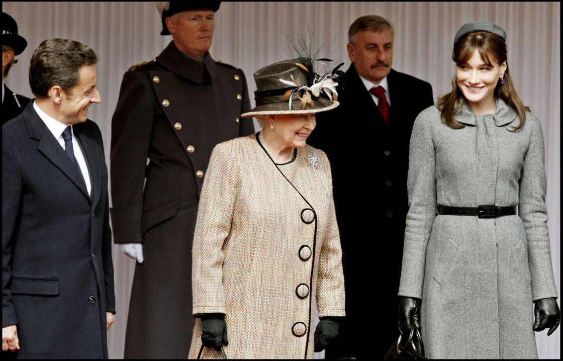 Nicolas Sarkozy, la reine d'Angleterre Elizabeth II et Carla Bruni au Château de Windsor, le 26 mars 2008.