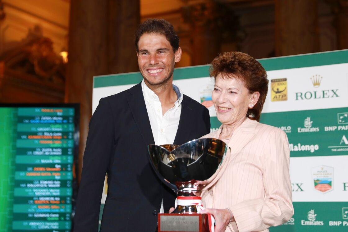Rafael Nadal, avec la baronne Elisabeth-Anne de Massy, présidente de la Fédération monégasque de Tennis, au casino de Monaco le 13 avril 2018
