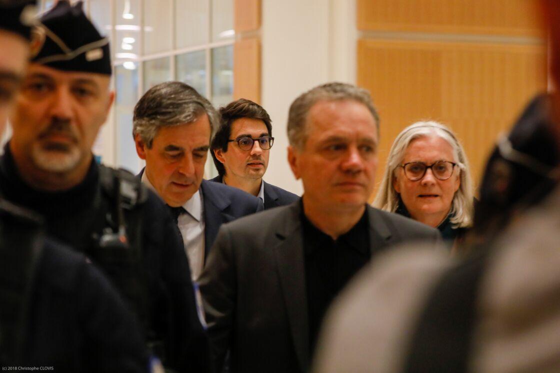 François et Penelope Fillon à la sortie de la 32ème chambre du tribunal correctionnel de Paris, le 11 mars 2020.