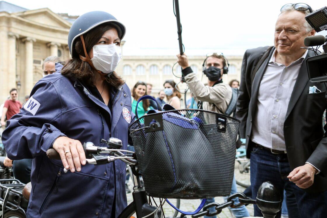 Anne Hidalgo le 21 juin dernier dans les rues de Paris