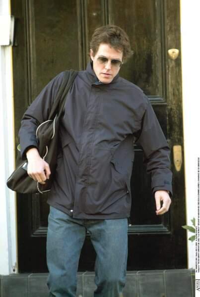 En 1995, Hugh Grant trompe Elizabeth Hurley avec une prostituée. L'affaire fait les gros titres de la presse people.