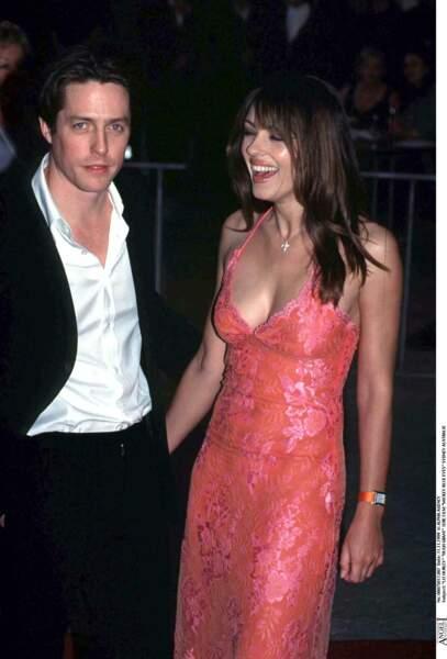 En 2000, Hugh Grant et Elizabeth Hurley se séparent. Pour autant, ils restent amis.
