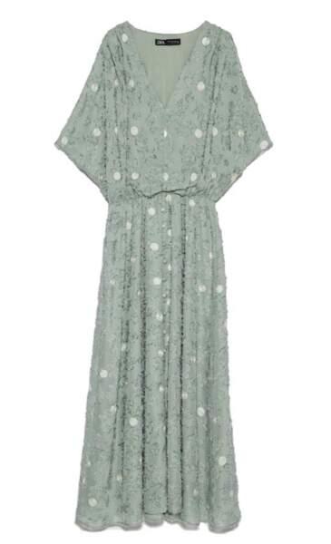 La robe midi Zara portée par Letizia d'Espagne coûte 25,99€ sur le site espagnol de la marque