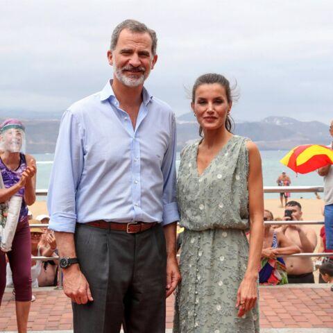 PHOTOS – Letizia d'Espagne ne quitte plus ses espadrilles compensées pour ses looks d'été