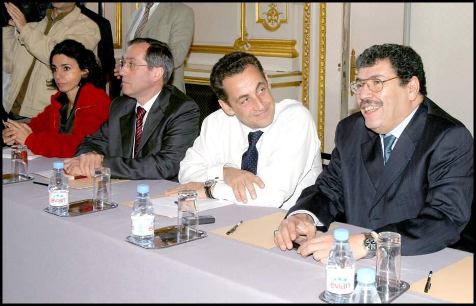 En 2004, Rachida Dati fait la rencontre du ministre de l'Intérieur Nicolas Sarkozy. Il lui propose de le rejoindre au cabinet du ministère comme conseillère technique