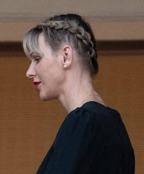 Les tresses inversées de Charlene de Monaco.