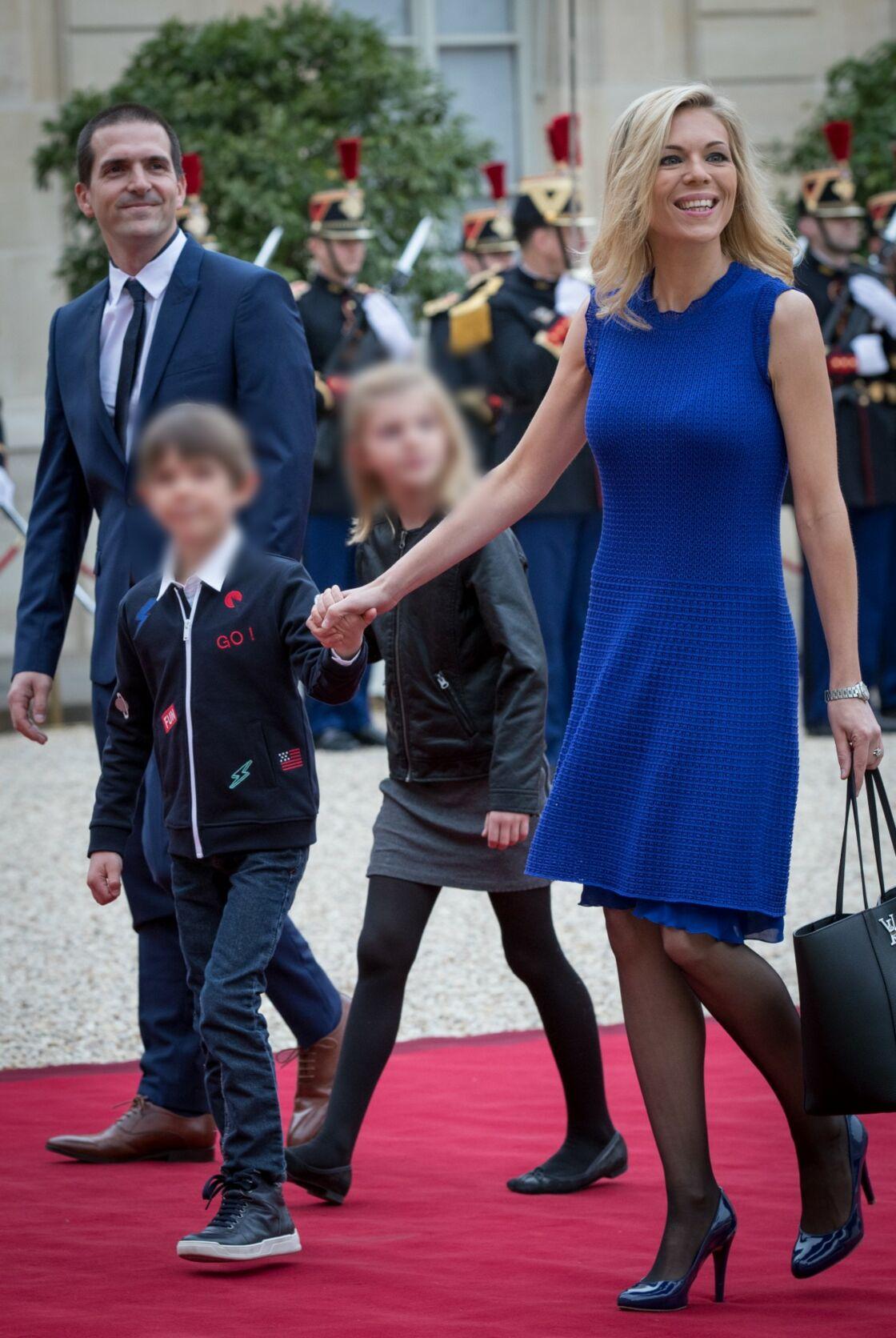 Guillaume Jourdan, Laurence Auzière et deux de leurs trois enfants, Thomas et Emma Jourdan, le 14 mai 2017 à l'Élysée
