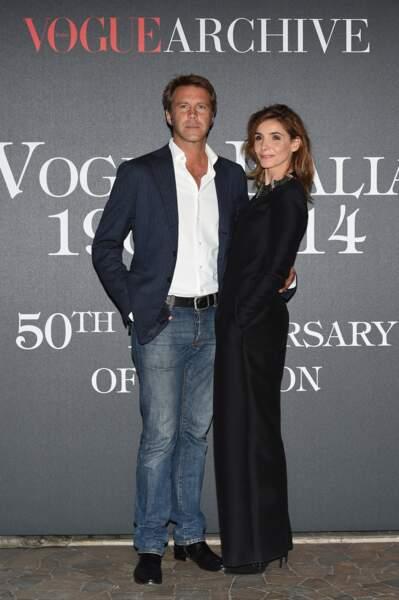 Emmanuel-Philibert de Savoie et Clotilde Courau sont mariés depuis 2003. Elle est installée en Suisse avec leurs enfants, alors qu'il s'est installé à Los Angeles.