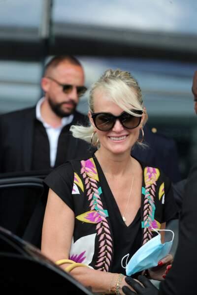 Laeticia Hallyday vit à Los Angeles alors que son compagnon Pascal Balland est installé à Paris. Après de longs mois de confinement, ils se sont retrouvés dans la capitale ce 19 juin.