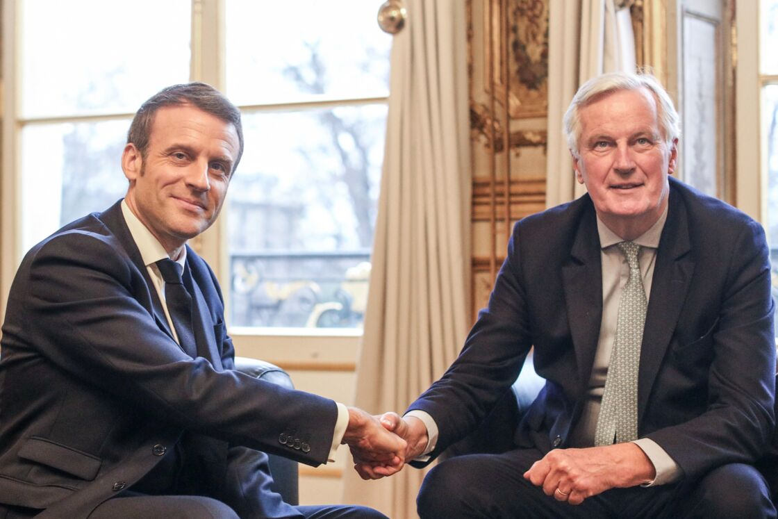 Emmanuel Macron et Michel Barnier au palais de l'Elysée, le 31 janvier 2020.