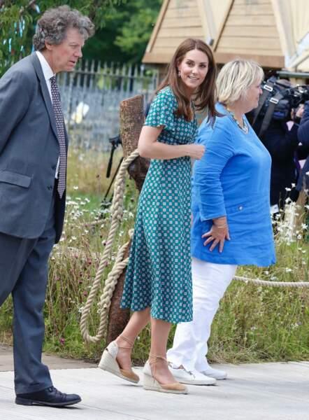 Kate Middleton toujours fidèle à ses espadrilles Castaner