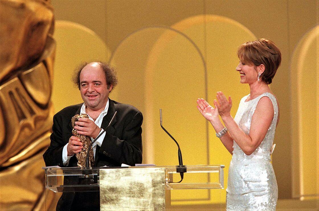 Jacques Villeret se voit remettre le César du meilleur acteur pour