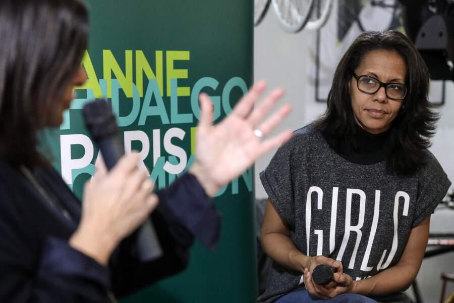 """Audrey Pulvar, avec Anne Hidalgo, donne une conférence de presse sur le thème : """"Toutes, tous à vélo """", le 28 janvier 2020."""