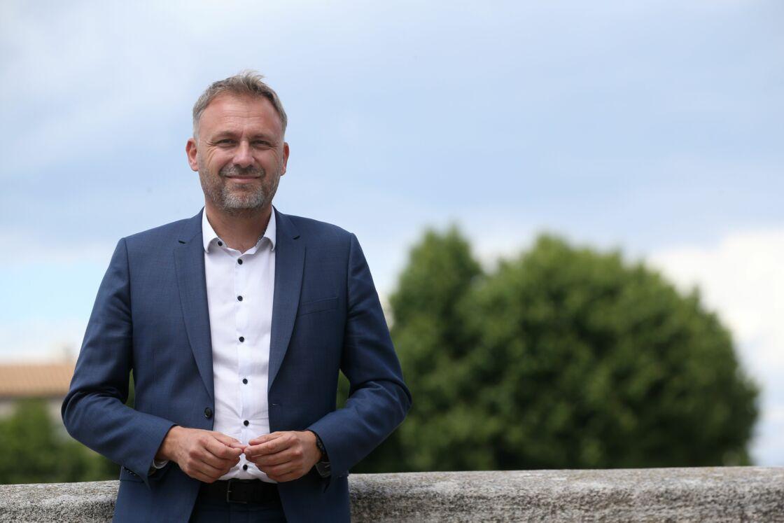 Nicolas Koukas n'a pas réussi à battre Patrick de Carolis et a récolté 42,8% des voix à Arles
