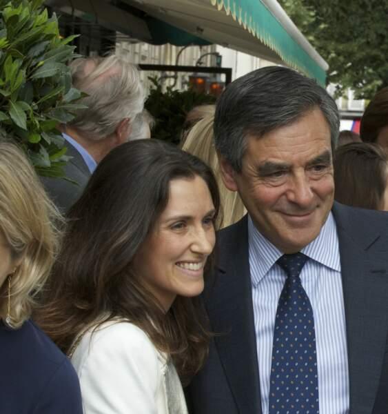 """François Fillon et sa fille, Marie Fillon au déjeuner """"Un Père, Une Fille"""", au restaurant Les Deux Magots à Paris, le 17 juin 2015"""
